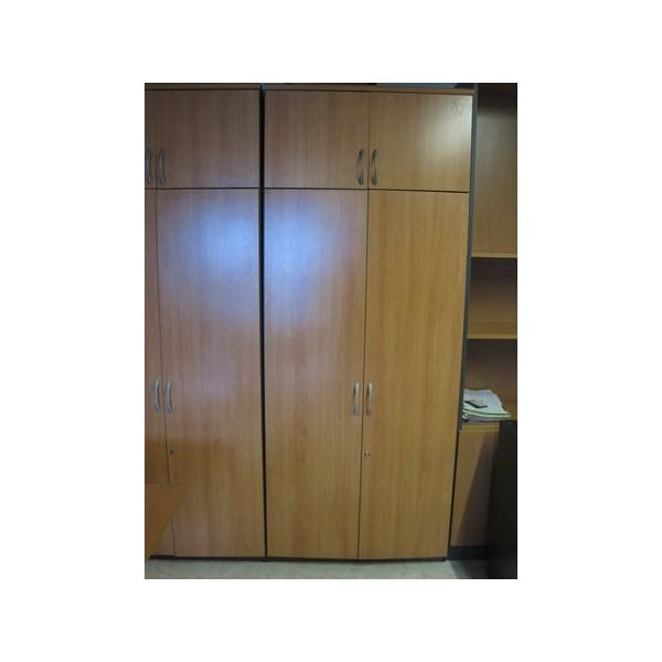 Armario alto con maletero mobiliario de oficina nuevo y usado en madrid - Segundamano armarios madrid ...